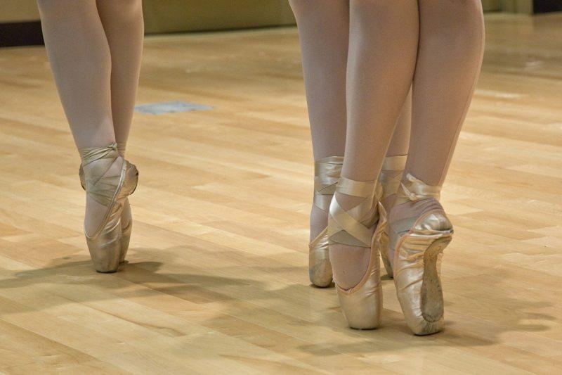松嶋菜々子娘(沙都)のバレエ教室